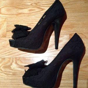 Chinese Laundry Black Lace Rose Heels